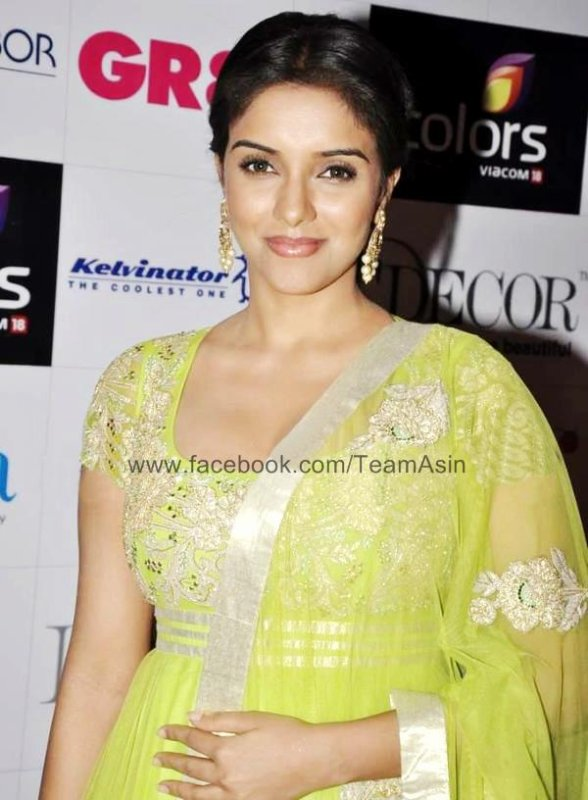 Asin at GR8 Women Achievers Awards 2013