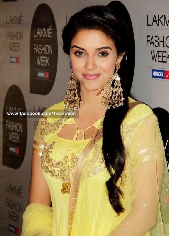 Asin at Lakme Fashion Week 2013